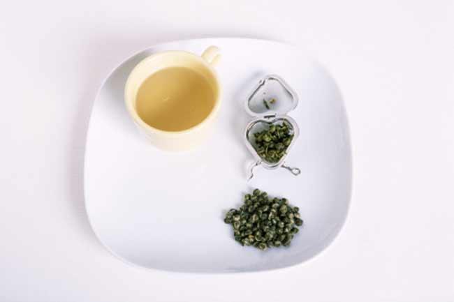 सप्लीमेंट के साथ चाय