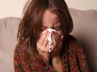 साल या महीने में नहीं बल्कि एक दिन में बारह हजार बार छींकती है ये महिला