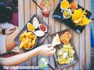 पार्टी में स्मार्ट तरीके से कैसे खायें