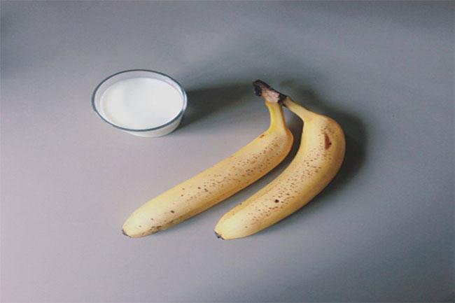 बनाना और बटर मास्क (Banana & butter mask)