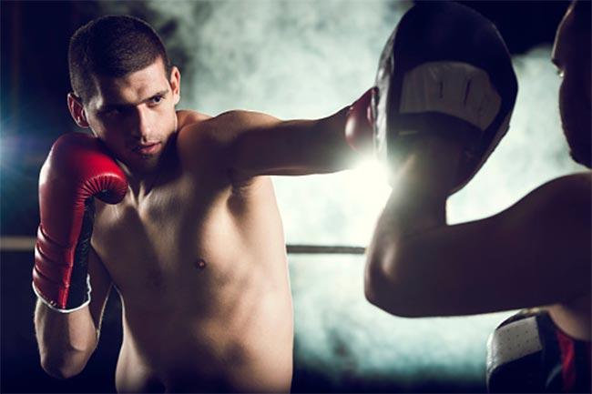 किकबॉक्सिंग के फायदे (benefits of kickboxing)
