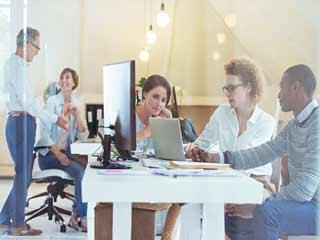 ऑफिस के माहौल में काम करने के हैं ये 3 बड़े फायदे