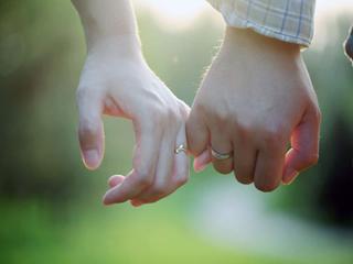इन लोगों के अनुभवों से जानें कि आपका प्यार है कितना सच्चा