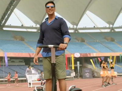 casual look by akshay kumar