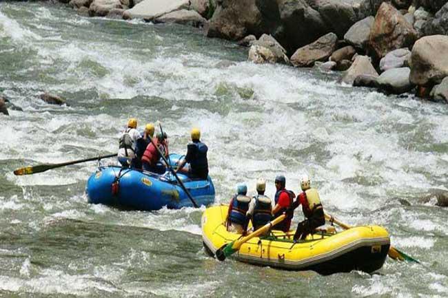 स्पीति नदी में वॉटर स्पोर्ट