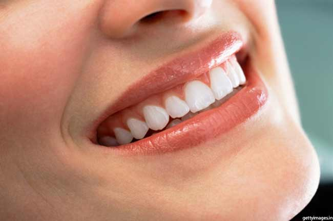 दांतों को बनाए चमकदार