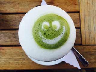 ग्रीन टी पीकर ऊब गये हैं तो आजमायें फायदेमंद माचा चाय