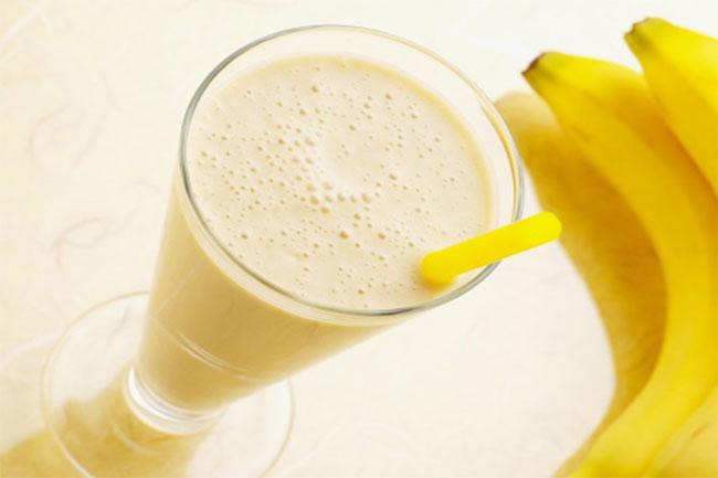 केला और दूध