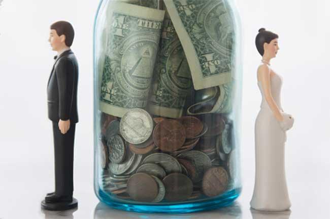 पति-पत्नी और पैसा
