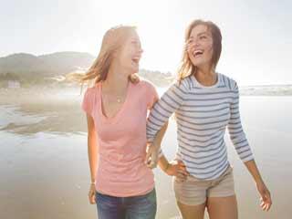जानें क्यों झूठ बोलते हैं अच्छे दोस्त