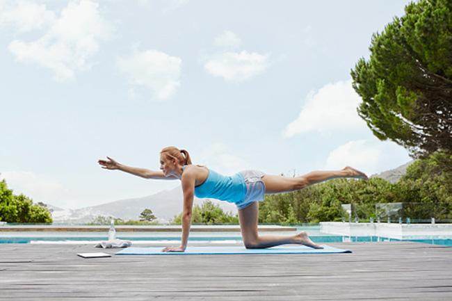योगा का नियमित अभ्यास करें