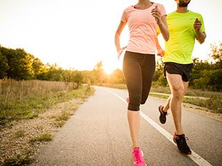 फिट रहने से बुढ़ापे में हार्ट अटैक का खतरा होता है कम