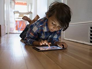 आईपैड के इस्तेमाल से बच्चों की मांसपेशियां हो जाती है कमजोर