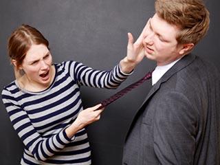 5 स्थितियों में बहस में अपनी गर्लफ्रेंड से नहीं जीत सकते आप