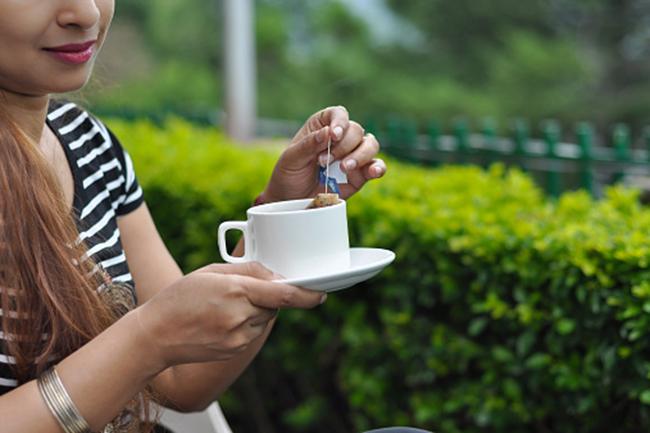 कभी भी हर्बल चाय का सेवन करना