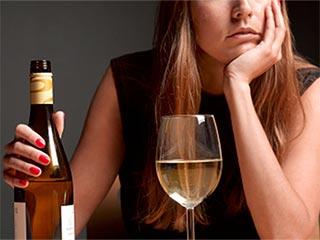 शराब ज्यादा पीने से होने वाली परेशानी का उपचार ऐसे करें