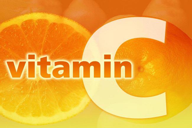 विटामिन सी से भरपूर फलों का सेवन