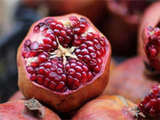 Try pomegranate to cleanse your arteries naturally