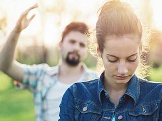 These signs prove that your boyfriend is emotionally abusive
