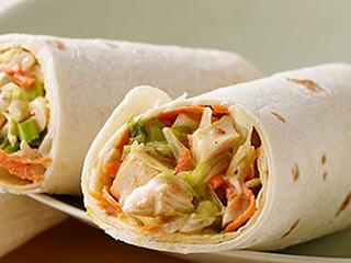 जल्दी में इस तरह बनाएं लाजवाब चिकन व्रैप रेसिपी