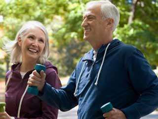 स्वस्थ लोगों को बुढ़ापे में दिल का दौरा पड़ने की संभावना होती है कम