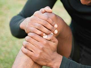 अगर एक्सरसाइज से हाथ-पैर में आ गई है सूजन तो इन तरीकों को अपनाएं