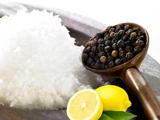 नमक नींबू और काली मिर्च से करें इन बीमारियों का इलाज