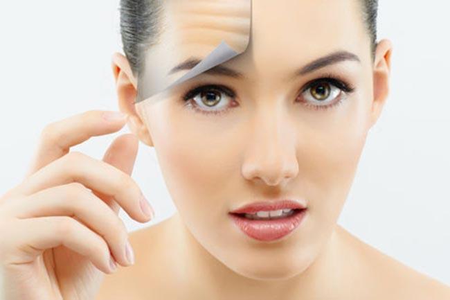 त्वचा को हाइर्ड्रेंट करें और झुर्रियों से बचायें