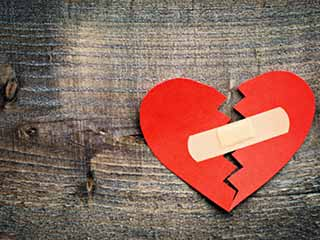 दिल तोड़ने वाले से प्यार करने के टिप्स