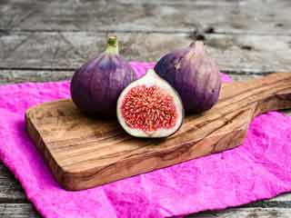 Surprising uses of figs for gorgeous skin and hair