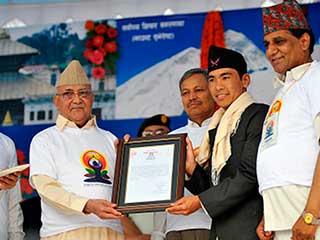 नेपाली थेरेपिस्ट ने किया 50 घंटों तक योग, बनाया रिकॉर्ड