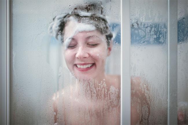 शॉवर लेने के बाद खुष्क त्वचा का इलाज