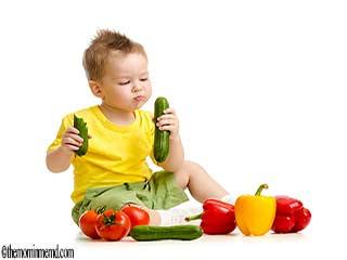 अपने बच्चों को स्वस्थ खाना कैसे खिलाएं?