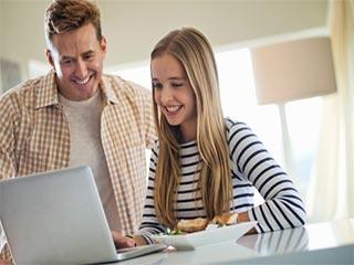 किशोर बेटियों वाले सिंगल डैड जरूर जानें ये 5 बातें