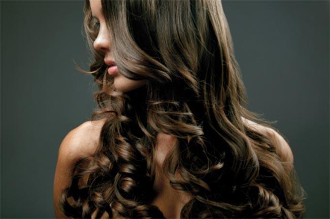 सुंदर, लंबे बाल