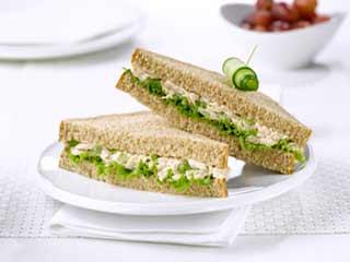 बच्चों के लिये बनाएं हेल्दी और टेस्टी पालक पनीर सैंडविच