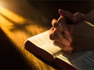 प्रार्थना से भी दूर होता है तनाव