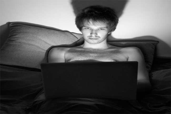 लड़कों के पोर्न फिल्में देखने के पीछे का कारण
