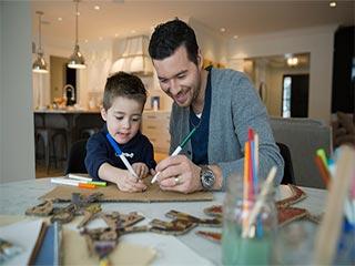 4 तरीकों से पैरेंटिंग थेरेपी आपके और बच्चे दोनों के लिए है फायदेमंद