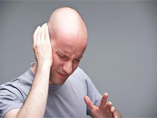 इन कारणों से होता है कान से रिसाव