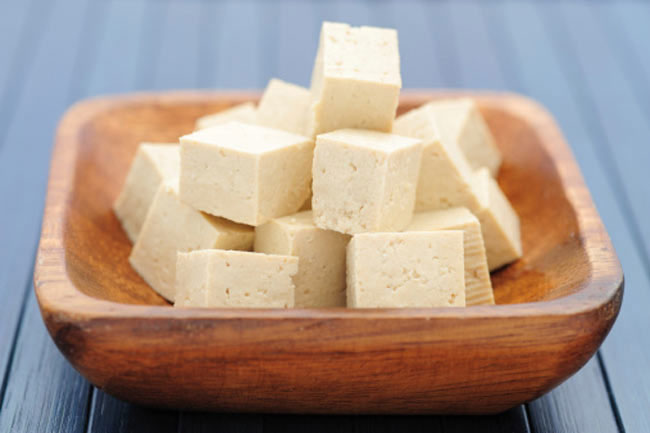स्वास्थ्यवर्धक सफेद भोज्य पदार्थ टोफू