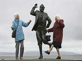 बुढ़ापे से जुड़े ये 5 मिथ लोगों को लगते हैं सच