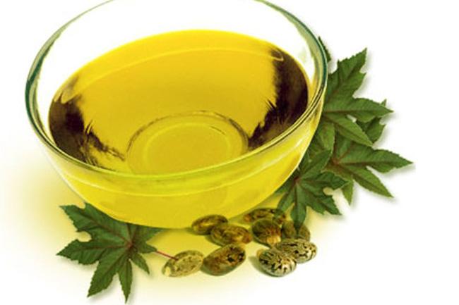 वैसलीन और अरंडी के तेल (Vaseline And Castor Oil)
