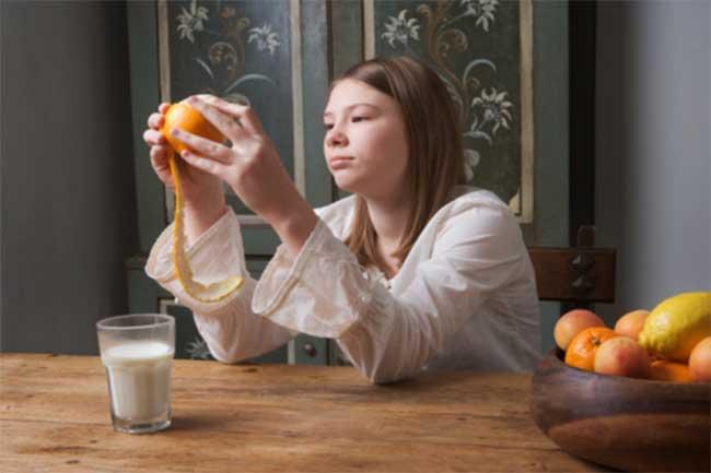 ना लें दूध के साथ फल