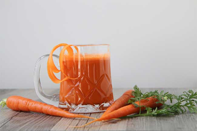 Carrot-spinach juice for optic neuritis