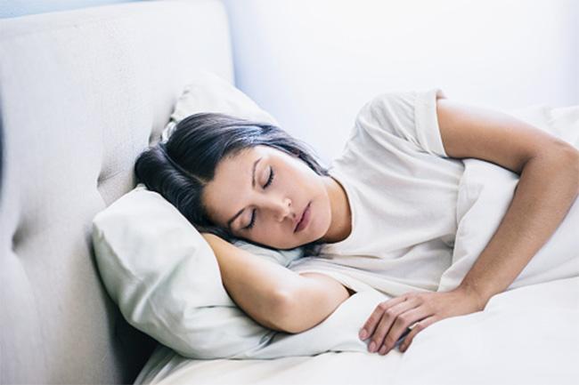 कम नींद से थायरॉइड