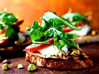 Yummy toast recipes for fitness freaks