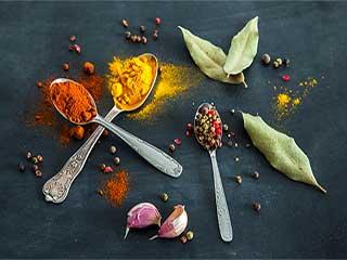 स्वाद नहीं सेहत भी बनाते हैं मसाले
