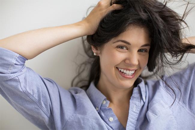 बालों को काला करने में मददगार