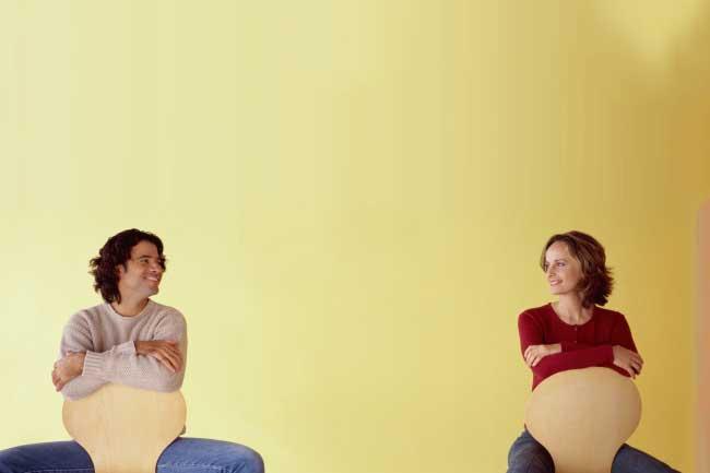 लॉन्ग डिस्टेंस रिलेशनशिप और गर्लफ्रेंड पर भरोसा